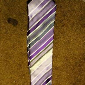 4/$10 CLEARANCE Bill Blass Essentials Necktie